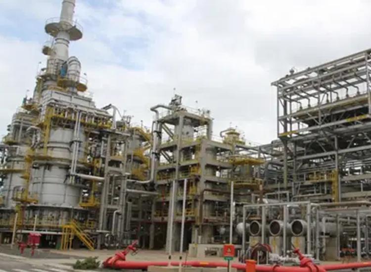 Refinaria foi vendida por US$ 1,65 bilhão e seu valor de mercado seria US$ 3,04 bilhões - Foto: Divulgação | Petrobras