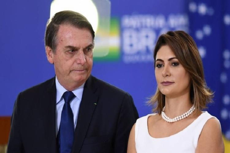 Entre 2011 e 2016, 21 depósitos do ex-assessor de Flávio Bolsonaro, que somam R$ 72 mil, foram pagos a Michelle   Foto: Reprodução - Foto: Reprodução