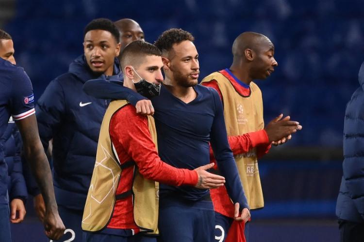 A equipe parisiense havia vencido o jogo de ida por 3 a 2, se classificando pelo critério de gols fora de casa | Foto: Franck Fife | AFP - Foto: Franck Fife | AFP