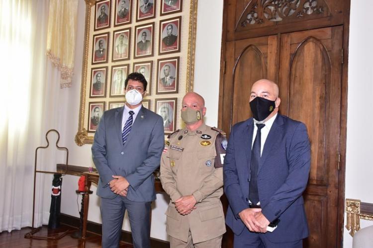 Presidente do SINDIPOL-BA se reuniu com o comandante-geral da Polícia Militar do estado, coronel Paulo Coutinho, e o Procurador de Justiça do Estado, Paulo Gomes Júnior I Foto: Rede Social - Foto: Rede Social