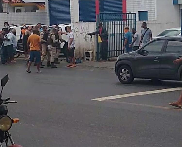Policia foi atingido durante troca de tiros | Foto: Reprodução | Redes Sociais - Foto: Reprodução | Redes Sociais