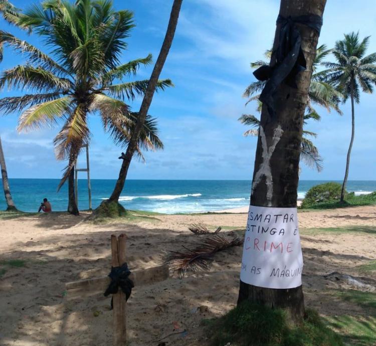 Protesto é organizado por moradores da região de Stella Maris, em Salvador | Foto: Cidadão Repórter | via Whatsapp - Foto: Cidadão Repórter | via Whatsapp