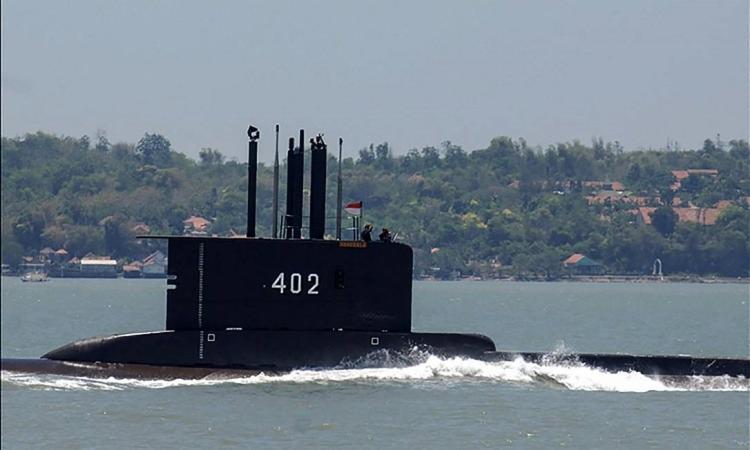 A embarcação realizava manobras de treinamento nas águas ao norte da ilha de Bali quando perdeu contato com a Marinha | Foto: Handout | AFP - Foto: Handout | AFP