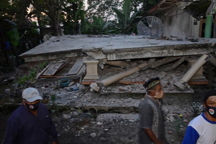Epicentro do terremoto foi localizado a 45 km da cidade de Malang, na ilha de Java | Foto: Dahayu Tunggadewe | AFP - Foto: Dahayu Tunggadewe | AFP