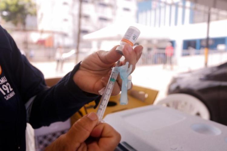 Estado recebeu mais 281,4 mil doses de vacinas contra a Covid-19 / Foto: Olga Leiria   Ag. A TARDE - Foto: Olga Leiria   Ag. A TARDE