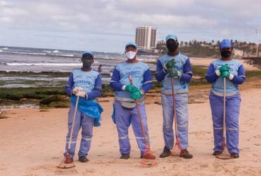 Martins, Ednaldo, Israel e Taiane na praia em Amaralina - Olga Leiria / Ag. A TARDE