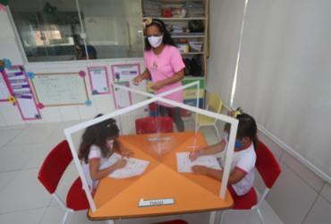 Volta às aulas em Salvador é marcada por retorno parcial dos professores | Olga Leiria | Ag. A TARDE