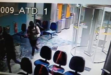 Agências bancárias são explodidas por criminosos em Correntina