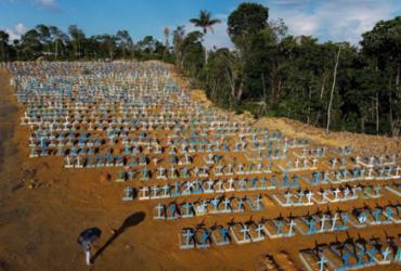 Brasil supera a marca de 580 mil mortes pela Covid-19   Michael Dantas   AFP