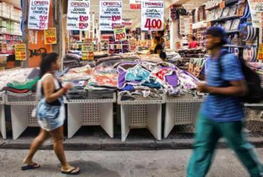 Comércio varejista recua de fevereiro para março na Bahia | AFP