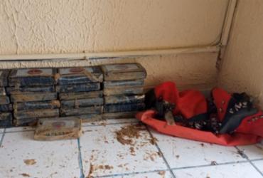 Pasta base de cocaína avaliada em R$ 1 milhão é encontrada em praia