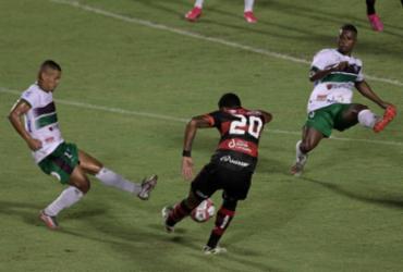 Veja imagens de Vitória x Fluminense de Feira pelo Baianão |