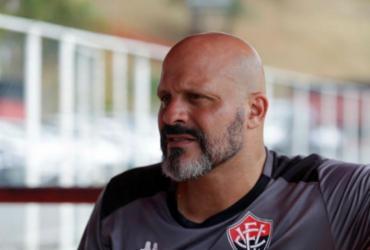 Auxiliar-técnico do Vitória, Flávio Tanajura é internado com Covid-19 em UTI | Joá Souza | Ag. A TARDE