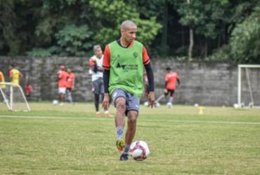 Vitória realiza treino com presença de meia uruguaio na Toca