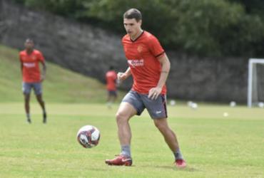 Atacante Vico retorna aos treinamentos na Toca do Leão |