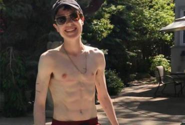 Elliot Page aparece sem camisa pela primeira vez após transição | Reprodução | Redes Sociais