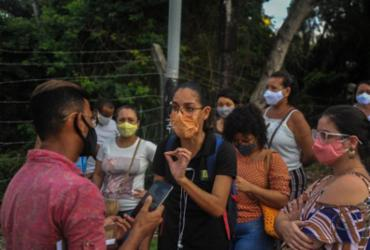 Encerramento de vacinação provoca protestos de professores em faculdade | Felipe Iruatã | Ag. A TARDE