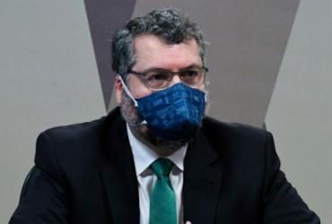 Ernesto Araújo confirma que Itamaraty buscou insumos da cloroquina |