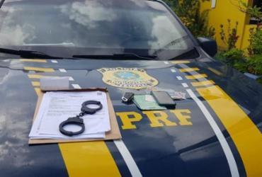 Foragido da Justiça por roubo é preso na BR-324 | Divulgação | PRF