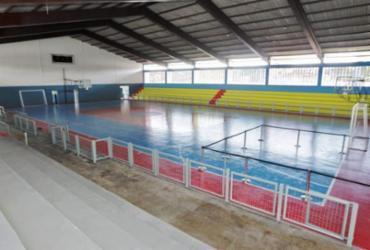 Rui Costa entrega Complexo Esportivo Educacional e praça em Jequié