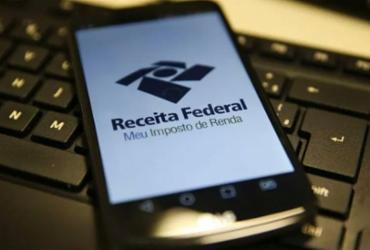 Bolsonaro veta projeto que estende prazo de pagamento do IR até julho | Marcello Casal Jr | Agência Brasil