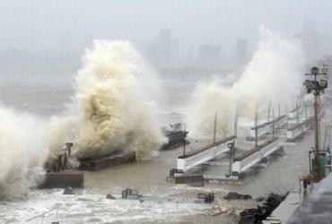 Marinha da Índia busca 80 desaparecidos no mar após ciclone | AFP