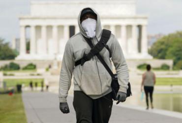 OMS diz que governos devem ser cautelosos ao permitir que pessoas vacinadas não usem máscaras | Agência Brasil