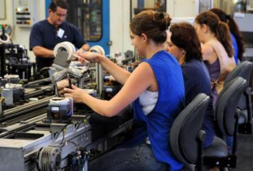 Pequena indústria sofre retração | Agência Brasil
