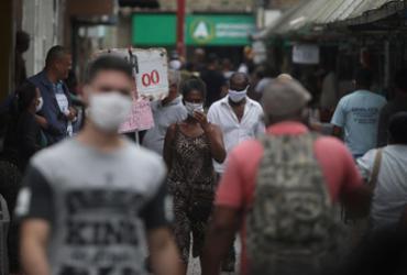 Pesquisadores da Fiocruz alertam para começo de 3ª onda na Bahia | Felipe Iruatã | Ag. A TARDE