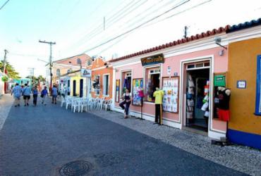 Decreto altera funcionamento do comércio e autoriza celebração de cultos religiosos em Porto Seguro