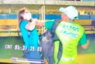 Repórter é agredida por membro de clube após gravar briga no Campeonato Piauiense | Reprodução