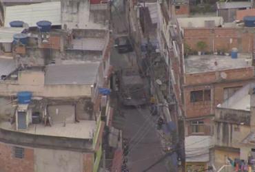 Tiroteio durante operação policial deixa 25 mortos no Rio de Janeiro | Reprodução TV Globo