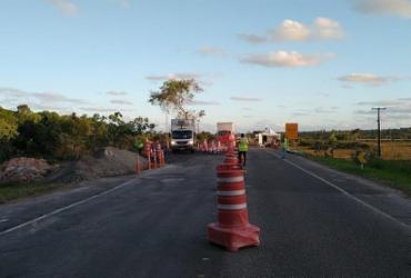 Após obras, tráfego para veículos pesados é liberado no km 82 da BA-099
