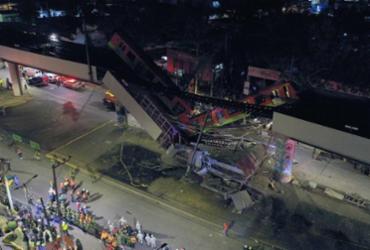 Mais de 20 pessoas morrem após trem do metrô cair em avenida no México | Pedro Pardo / AFP Photo