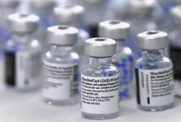 Logística do Ministério da Saúde muda quantidade de vacinas que chegarão na Bahia | Luis Acosta | AFP