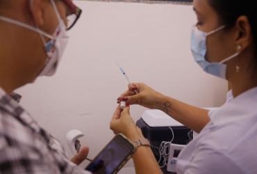 Salvador retoma vacinação de 2ª dose da CoronaVac neste sábado | Olga Leiria | Ag. A TARDE