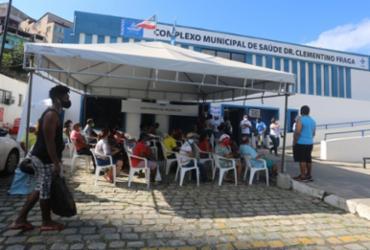 Vacinação contra Covid-19 contempla pessoas com 50 anos ou mais nesse sábado em Salvador | Olga Leiria | Ag. A TARDE