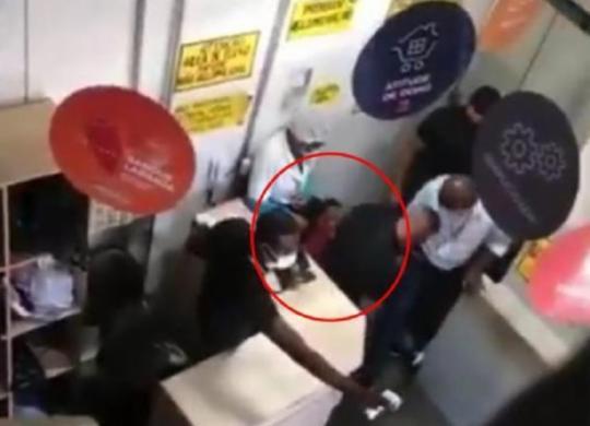 Vídeo mostra desespero de jovem antes de ser supostamente entregue a traficantes | Cidadão Repórter | via Whatsapp