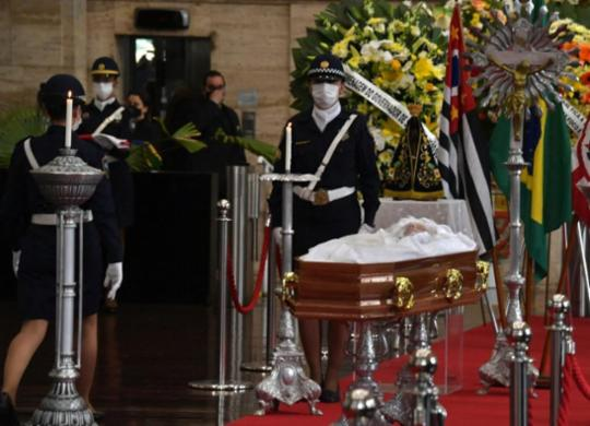 Corpo de Bruno Covas é velado com público reduzido e cortejo em carro aberto | Nelson Almeida | AFP