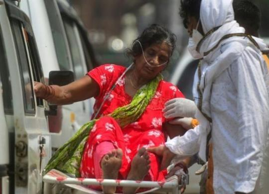 Índia registra pela primeira vez mais de 4 mil mortes por Covid-19 em 24 horas | AFP