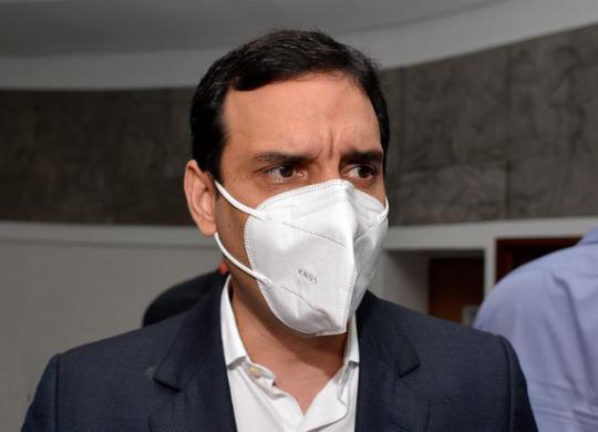Leo Prates acusa Ministério da Saúde de não distribuir vacinas de maneira igualitária | Shirley Stolze | Ag. A TARDE | 28.12.2020