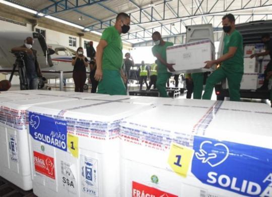 Bahia recebe 244 mil doses de vacina da AstraZeneca | Divulgação: Sesab