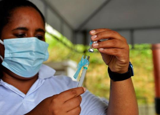 Salvador inicia vacinação contra Covid-19 de gestantes, puérperas e lactantes nesta sexta | Shirley Stolze | Ag. A TARDE