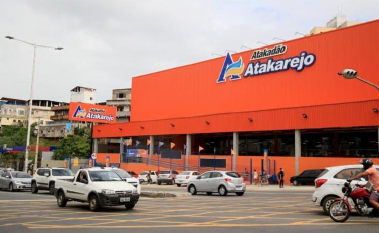Estacionamento do Atacadão Atakarejo em Salvador - Foto: Divulgação