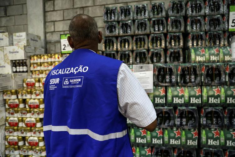 Venda de bebidas alcóolicas será suspensa nos fins de semana | Foto: Uendel Galter | Ag. A TARDE - Foto: Uendel Galter | Ag. A TARDE