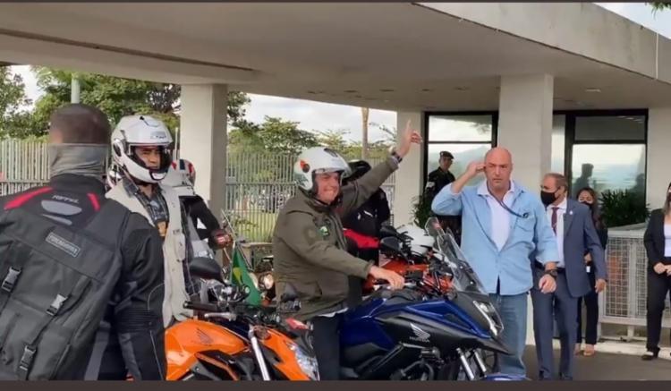 Presidente foi acompanhado por centenas de motociclistas I Foto: Reprodução I Rede Social - Foto: Reprodução I Rede Social