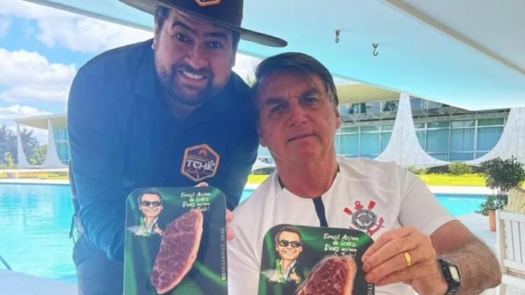 Churrasqueiro compartilhou uma foto ao lado do chefe do Executivo | Foto: Reprodução | Instagram - Foto: Reprodução | Instagram