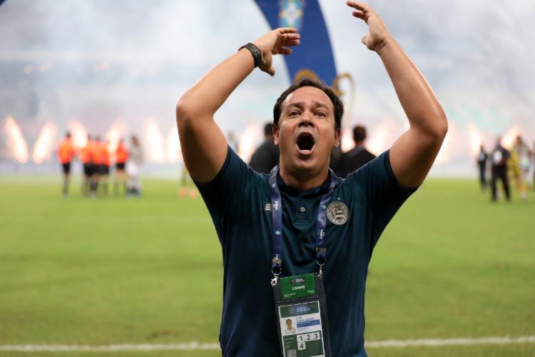 Treinador vibrou no Castelão com a conquista do título | Foto: Felipe Oliveira | E.C.Bahia - Foto: Felipe Oliveira | E.C.Bahia