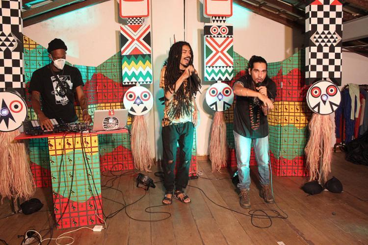 Projeto é formado por artistas performáticos da música e do teatro | Fotos: Divulgação - Foto: Divulgação