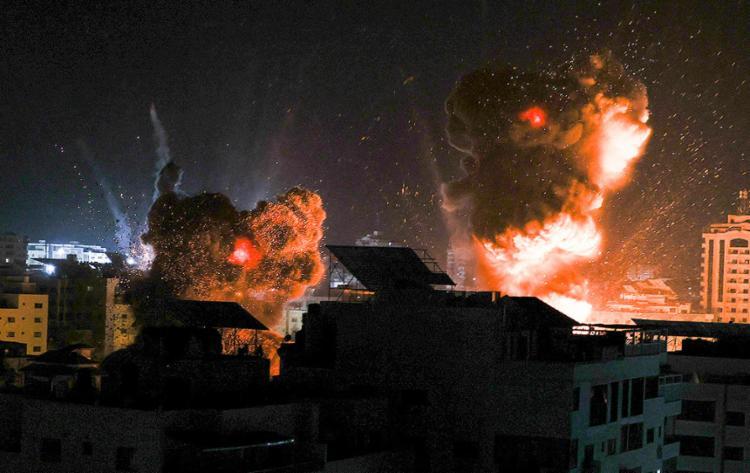 De acordo com o Ministério da Saúde de Gaza, mais de 40 mil pessoas fugiram de suas casas no território | Foto: Mahmud Hams | AFP - Foto: Mahmud Hams | AFP